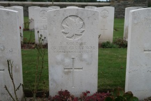 A SOLDIER OF THE GREQT WAR CANADIAN SCOTTISH. Bedford House Cemetery; Belgium. (P. Ferguson image 2016)